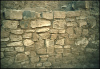 Kiva 1, close-up of lower wall masonry and bench surface (SL-YJ-JC-021)
